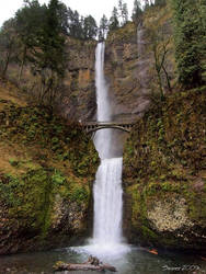 Multnomah Falls by Swanee3