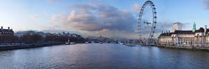 London Town - panoramic by piorun