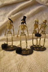 Skeleton Trophies by lilmejuju