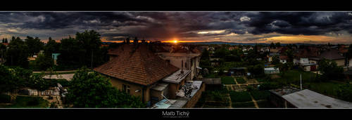 Sunset above Ivanka XIV. by roehunter
