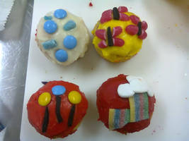 My Little Pony cupcakes by luv4horsez