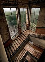 Forsaken Stairs by stengchen
