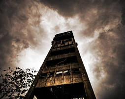 Tower of the Damned by stengchen