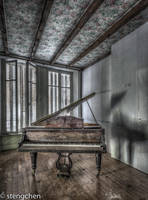Piano Room by stengchen