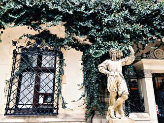 Statue by evelinaaaa25