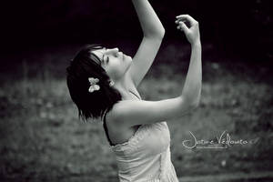 kiss the rain. by JustineVedovato