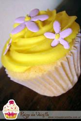 Lemon Cupcake by harleshinn