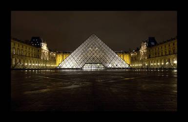 La Pyramide du Louvre 2 by Blofeld60