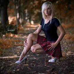 autumn girl by bagnino
