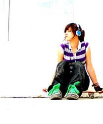 girl with headphones by Szokata