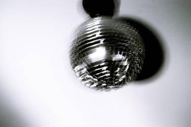 Spin spin... dim dim disco by Shosan