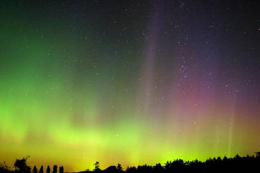 Northern Lights over WA by seattleslough