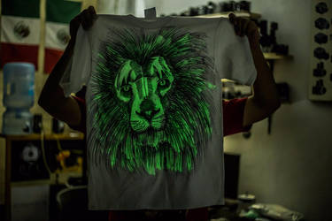 Tshirt Leon by KyubiNabruto