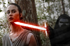Rey and Kylo Ren (Star Wars: The Force Awakens) by greglarro