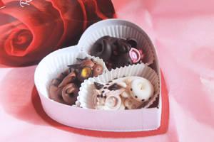 Valentine's Chocolate Heart Dragons by BittyBiteyOnes
