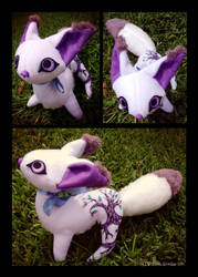 Magpie Plushie by IceandSnow