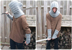 Hood cowl + fingerless gloves by PolClary