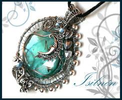 Isilnen pendant by Faeriedivine