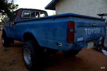 blue truck by MrGutierrez