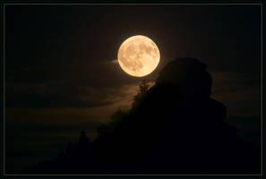 full moon by kovalvs