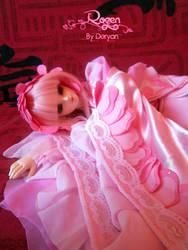 Rozen by PinkyNeedles