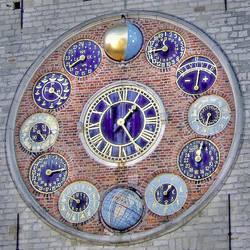 Crazy Clock... by Wimley