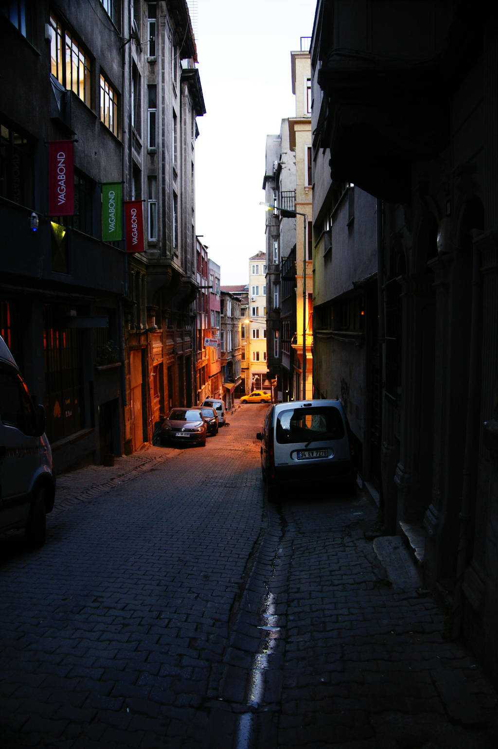 In the street of istanbul by Heurchon