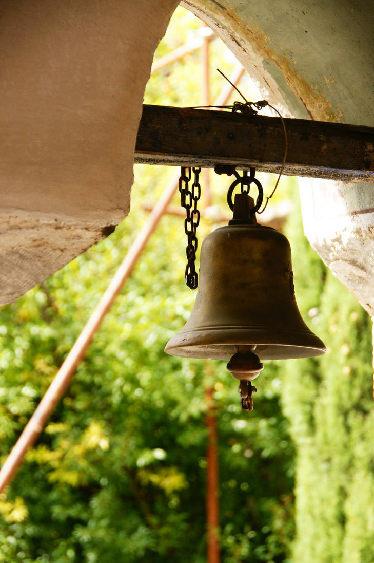 For whom the bell tolls by Heurchon