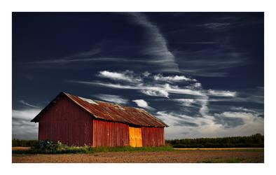 Barn on the field by jjuuhhaa