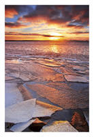 a Cold Sea by jjuuhhaa