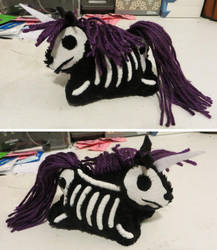 Dead Unicorn Plush by NeitherSparky