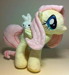 My Little Pony - Fluttershy by CasseminaPie