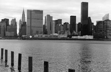East River waterscape by kc2olb