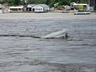 Upturned boat, Brisbane River by jane-mirage