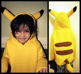 Pikachu hoodiee by petitangel1095