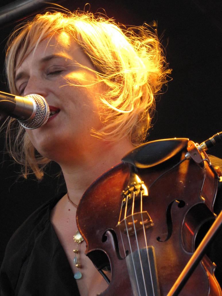 Julie B. Bonnie by bohwaz