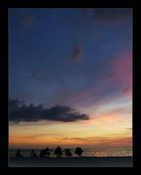 When The Sun Goes Down.. by taloki