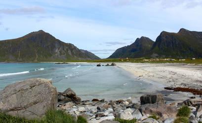Lofoten beach by xuvi