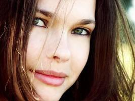 Autumn's face by Caelea