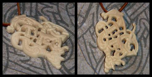 Dragon bone-pendant by Wodenswolf