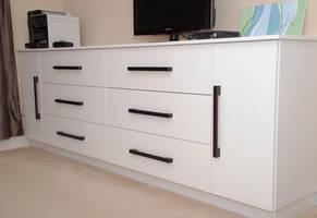 Bedroom Dresser/TV cabinet Unit by belakwood