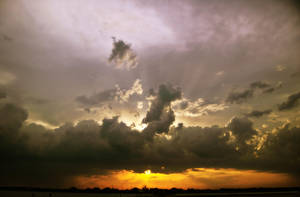 God ray on the lake by LeGreg