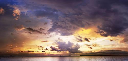 Serene storm by LeGreg