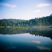 Reflection at Situ Gunung by thesaintdevil