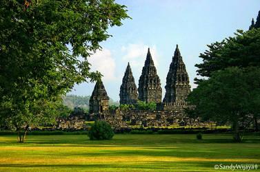 Prambanan Temple by thesaintdevil