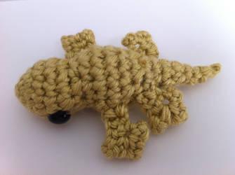 Tiny Crested Gecko #2 by craftycalamari