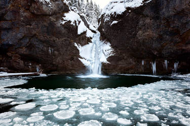 Buchenegger Wasserfall V by vamosver