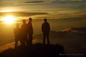 Sunrise Sikunir by gat0t