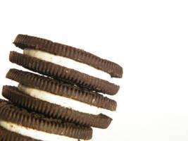 Oreo cookies by MarkieKnopflie