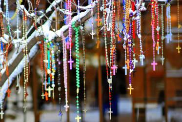 rosary tree 2 by allsock